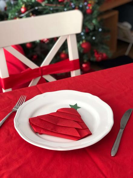 Блогмас: 6-ти декември –  коледна украса за маса / лесна елхичка от салфетка/
