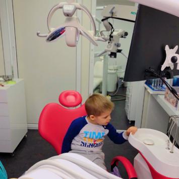 Списък със зъболекари за деца в София, Пловдив, Стара Загора, Бургас, Варна, Асеновград и Смолян на база препоръки от майки